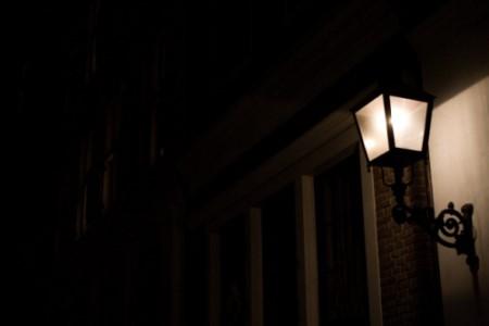 玄関の電気